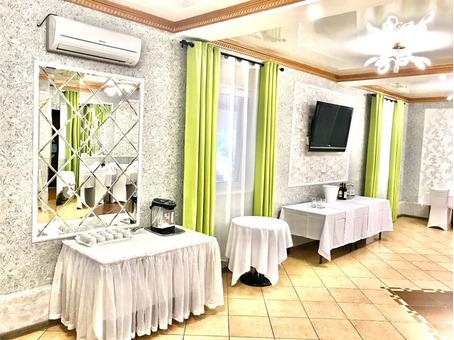 На часы и сутки дома и бани и сауны для разного количества гостей